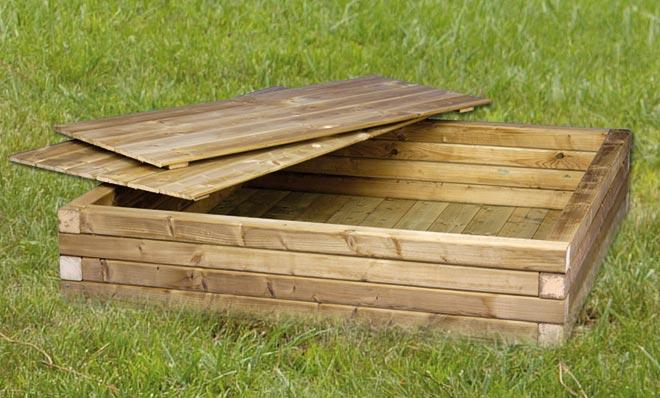 houten zandbak t Goor